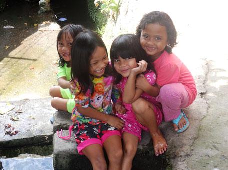 Lieve lachende kinderen van Lombok