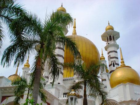 Indrukwekkende moskee op het eiland Penang in West-Maleisie