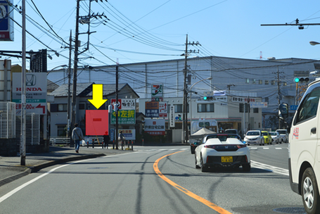 「平戸」交差点手前・遠景