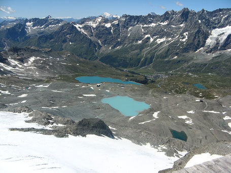 Cervinia vista dal Plateau Rosa