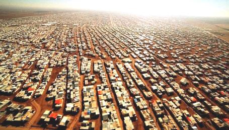 Zaatari flygtningelejr i Jordan , 8 km fra den syriske grænse