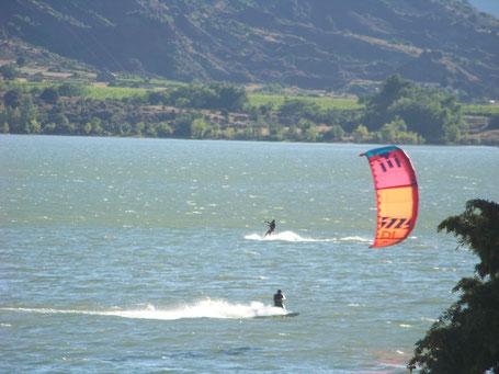 Kitesurf vias plage portiragnes avec ventileau activités sportives