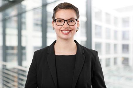 Lara Untiedt, Consultant