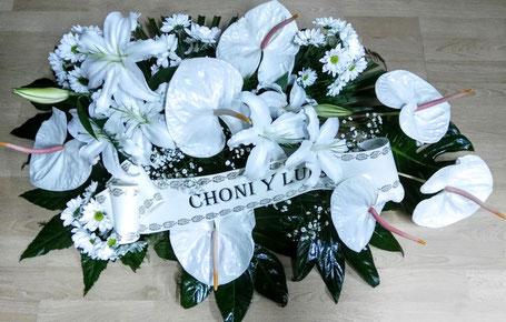 Centro de flores para difuntos blanco