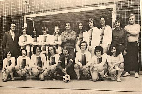 Die erste Damen-Fußballmannschaft der DJK St. Ingbert.