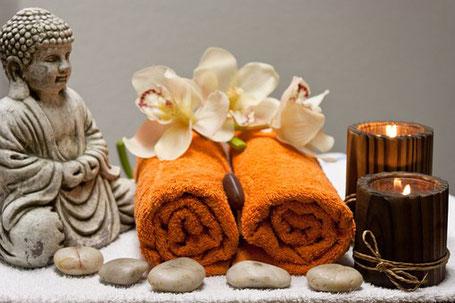 Buddha und Kerzen