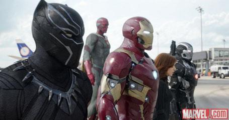 haut sich mit Team Iron Man und Neuzugang Black Panther [Quelle: Disney/Marvel]