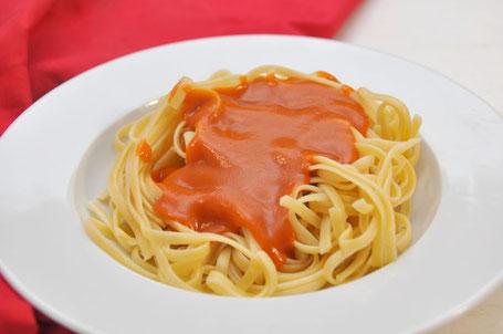 Tomatensoße wie Maggie Delikatess selber machen, Maggie Tomatensoße vegan, Tomatensoße Mehlschwitze vegan, Fertigtomatensoße selber machen