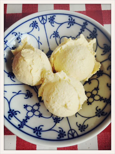 Mangoeis selbst gemacht, Mangoeis vegan, Mango Eis Thermomix, Eis Cashewmus, Mango Cashew Eis