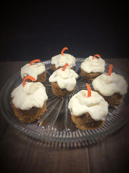 Rüblikuchen, Möhrenkuchen, Karottenkuchen  vegan aus dem Thermomix mit Frosting auch als Muffins oder kleine Springform möglich