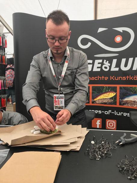 Wir verpackten unsere Köder in umweltfreundlichen Materialien bei der Fishing Masters Show 2019