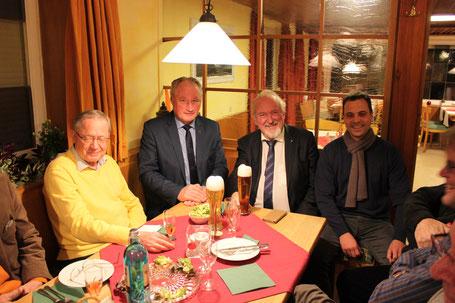 v.l.: Minister a.D. Ulrich Müller,  MdL August Schuler, CDU-Vorsitzender Bernhard Vesenmayer, Bürgermeisterkandidat Thilo Reiss