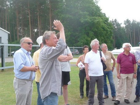 Gruppencoaching zur Flugaufgabe (Foto: Uli Gerstenberg)