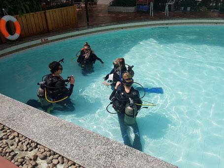 Rainbow Divers teaching session Vietnam