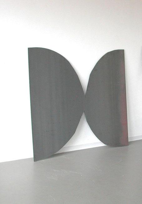 © Ruth Baumann , Stahl                      2003