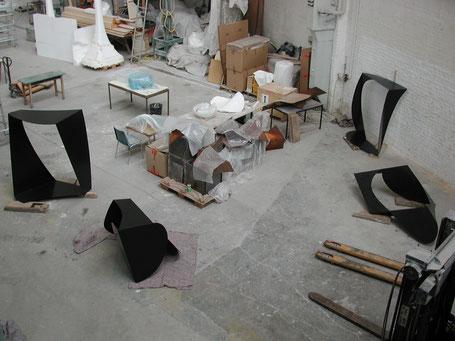 © Ruth Baumann 2006 Stahl, 8mm vier Arbeiten in der Werkstatt