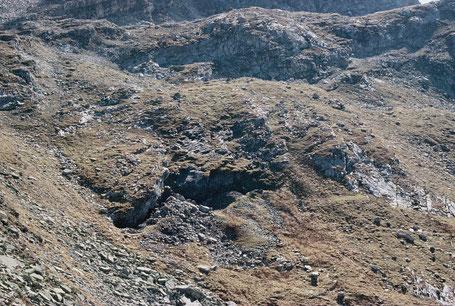 Fe/Mn Lagerstätte Fianal vom Grat im NE des Vorkommens aus gesehen. Bergbau Ausserferrera, Schams