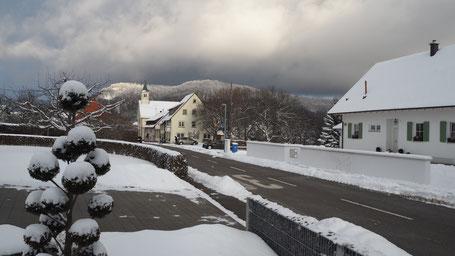 Das hochgelegene Beuren ist im Winter relativ schneesicher....