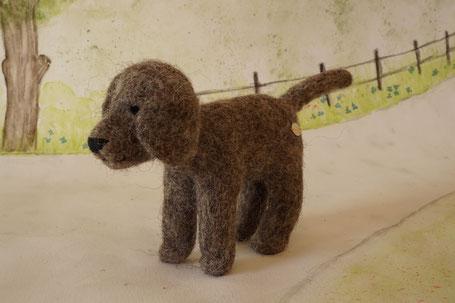 Filzhund, gefilzter Hund, Filztier, gefilztes Tier, Dekoration für den Jahreszeitentisch, WunderFilzig, Waldorf Art, Puppenhaus