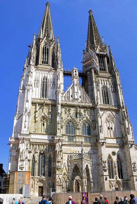 Regensburger Dom (aus 12 Einzelaufnahmen zusammengesetzt)
