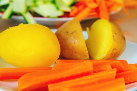 Pellkartoffeln mit fermentiertem Gemüse SAUER MACHT GLÜCKLICH | handmade fermented foods - Vegan. Rohkost. Glutenfrei. Natürlich. Gesund. Lecker.