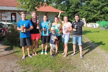 von links: Philipp Daniel/Laura Zwack, Malik Ermert/Tanja Weiss, Bettina Firnkäs/Erich Altmann