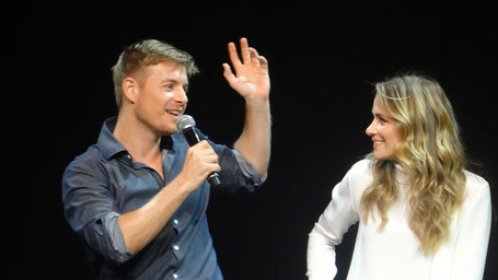 Shantel VanSanten and Rick Cosnett from the Flash