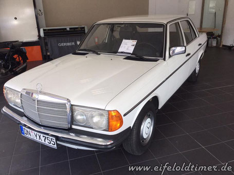 Mercedes W123 200