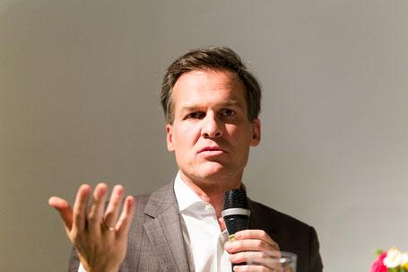 ORF Moderator & Buchautor Tarek Leitner (https://www.flickr.com/photos/figlhaus_wien/albums/72157690280073596)