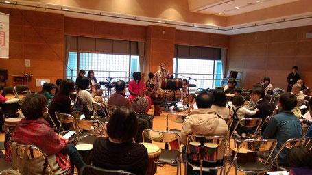 アラマさん、麻子さん、演奏
