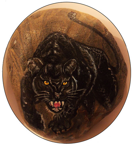 #steinportrait #panther #tierportrait #animal #blackpanther #paintedrock #stoneart #stunningportrait #agressiveanimal #bemaltesteinepanther