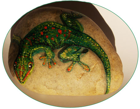 #stoneart #geckoportrait #gecko #animalportraitonstone #paintedrock #realisticstoneart #realisticart #bemaltesteinegecko