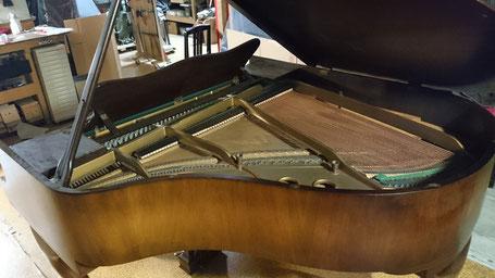 ピアノ 猫脚 チッペンデール 木目 塗装 修理 弦 整音 ハーフタッチ ハーフペダル 再生 リニューアル 修復