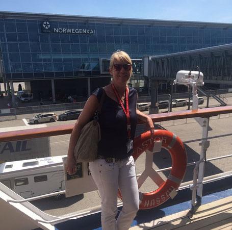 Nicole Henkes an Bord der MS Astor