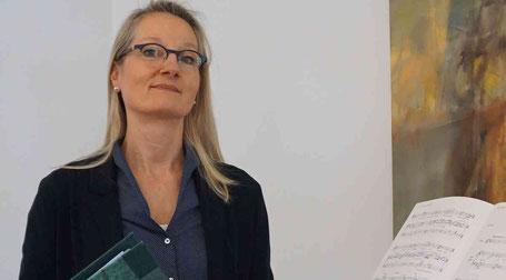 Gesangslehrerin und Sängerin Natalie Diart schwört auf die vielen positiven Eigenschaften des Gesangs, vor allem während der Coronakrise. Foto: Dieter Heitzer