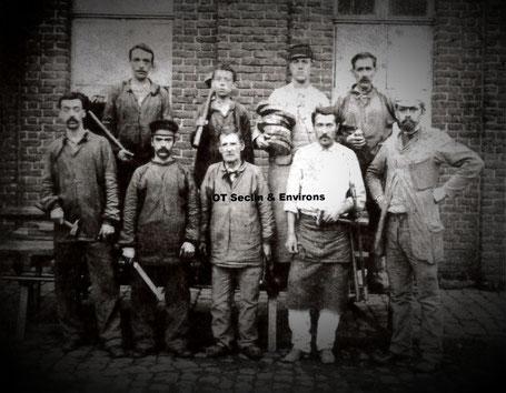 """Filature Guillemaud - ouvriers entretien tissage vers 1890 (source """"Si Seclin m'était conté"""" paru en 2003)"""