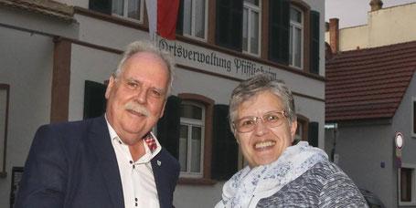 Im Wormser Vorort fand die konstituierende Sitzung des Ortsbeirates statt. Im Bild sind zu sehen Ortsvorsteher Ernst-Dieter Neidig und Stellvertreterin Martina Hauzeneder.  Foto: BK/Andreas Stumpf