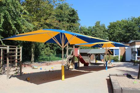Große Schirme sind gefragt in Kindergärten und Schulen - der may Fachhändler ✅ FINK Sonnenschirme im Rhein-Main-Gebiet ist Profi für Große Sonnenschirme SCHATTELLO und ALBATROS für den Objekteinsatz