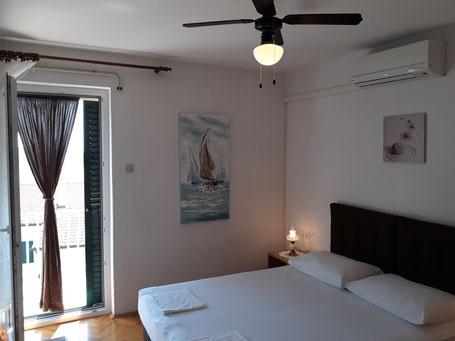 Schöne preiswerte und günstige Zimmer buchen in Dalmatien, Makarska Pension Batosic