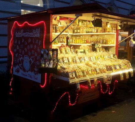 formnudeln-auf-dem-weihnachtsmarkt-spittelberg