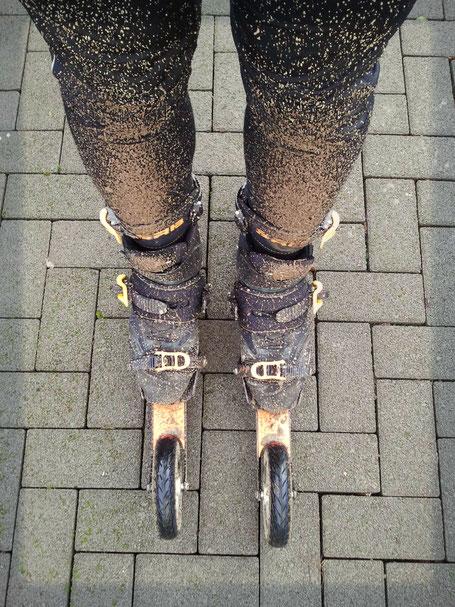 Skike Hose und Jacken sowie T-skirts und Bekleidung beim skiken