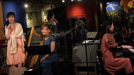 赤地カレン+ManaMiki(天貝観姫、塩川まなみ)