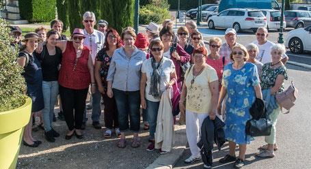 Gruppenbild vor der Tagestour durch das Beaujolais