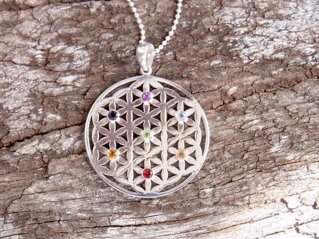 Blume des Lebens Kette aus Silber mit Chakra Edelsteinen