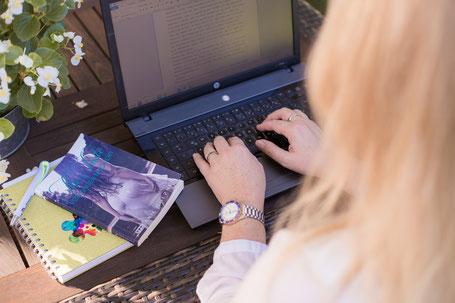 Newsletter Melanie Holzner Autorin, Melanie Holzner Autorin
