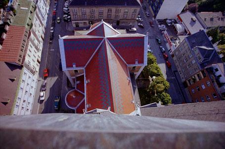 Blick vom höchsten Punkt von St. Anna aufs Kirchendach
