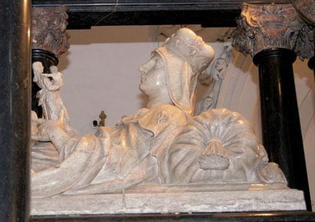 Das Grab der hl. Hedwig  im Kloster Trebnitz