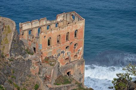 Die Ruine der Gordejuela-Wasserpumpenanlage.