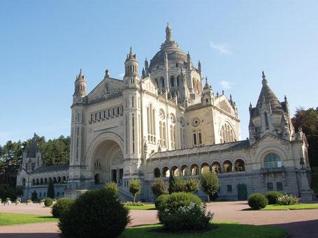 Foto: Basilika der heiligen Thérèse, Quelle: lisieux-tourisme.com