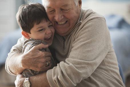 Endlich können auch ältere Kunden ein Darlehen beantragen - sogar ohne Tilgung. Weitere Informationen: Allianz Jens Schmidt, Tel. 0421-83673100 (Foto: Allianz)